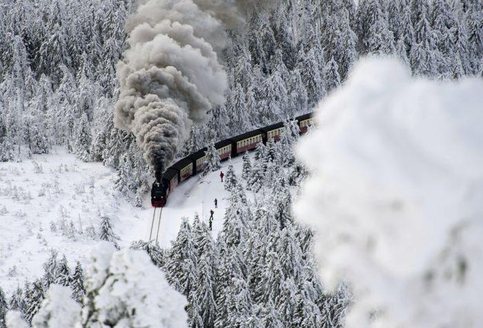 Бесплатно фото едет, зима, красота природы, локомотив, поезд, снега