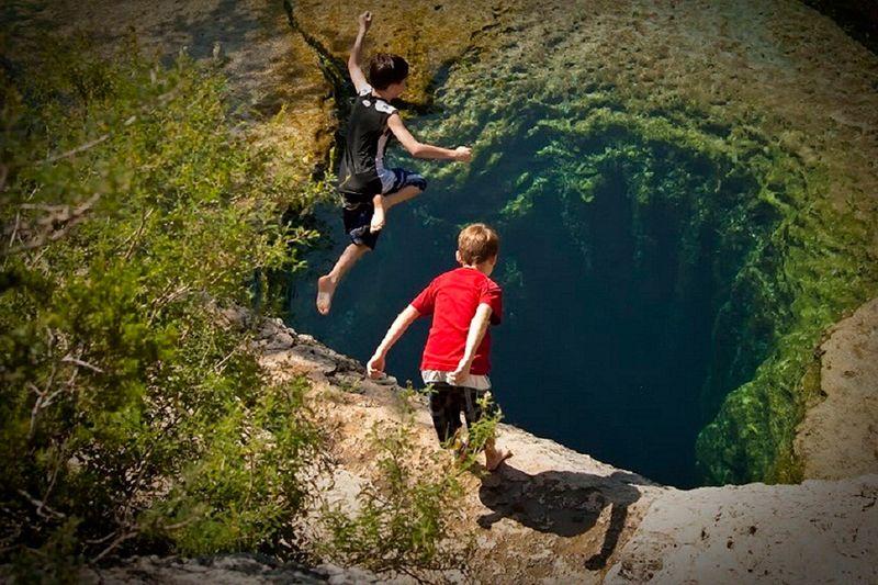 Улетное фото красота природы, обрыв, омут, прыжок в воду