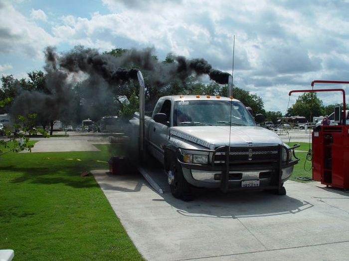 Фанни фото выхлопные газы, дымовуха, мощное авто, надымил