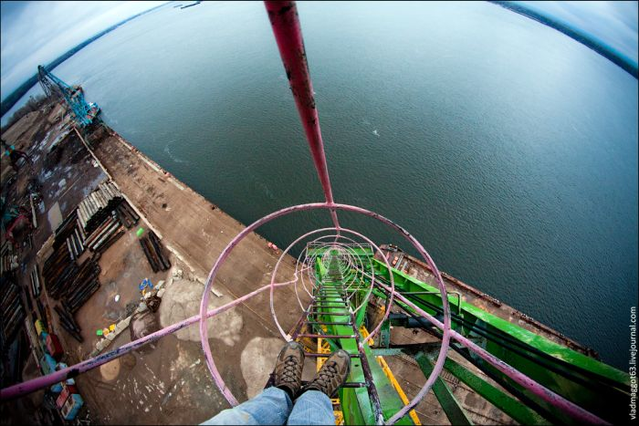 Юмор башня, вид сверху, высота