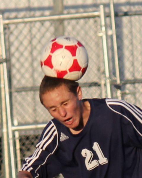 Фото выражение лица, прикол, удар в голову, футболист, футбольный мяч