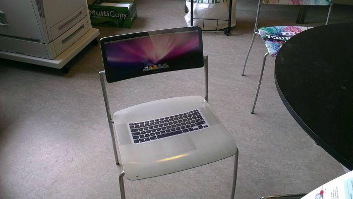 Смешная фотогалерея крутая фотка, макбук, прикол, стул