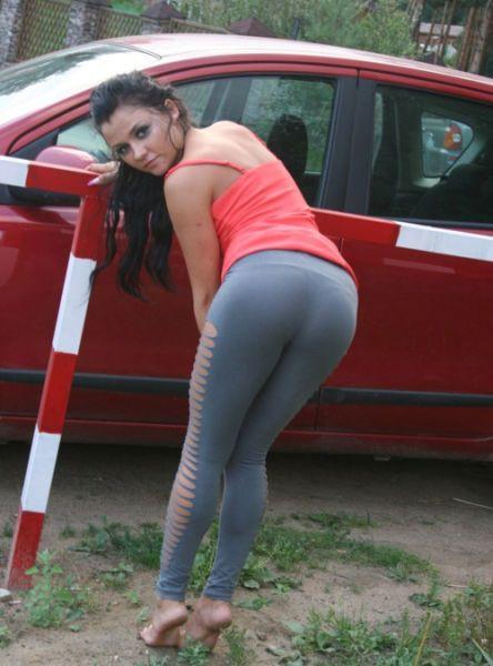 Видео секс с девочкой в лосинах фото 424-922