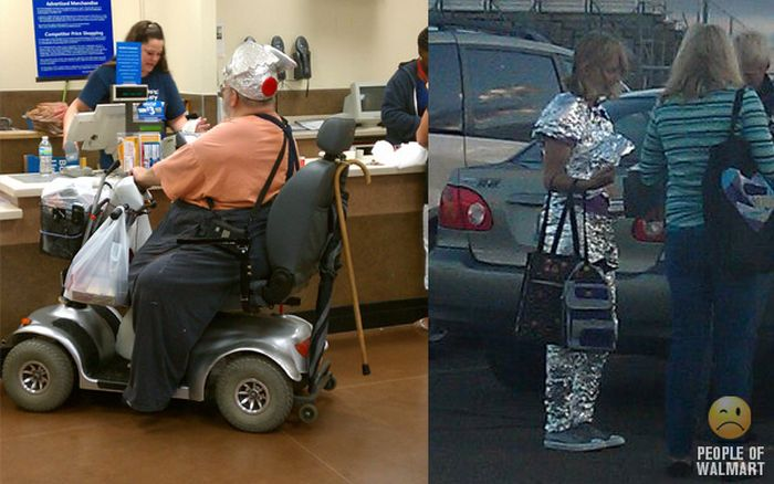 Gente rara en el supermercado Walmart-026