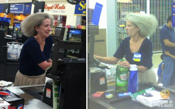 Gente rara en el supermercado Walmart-033