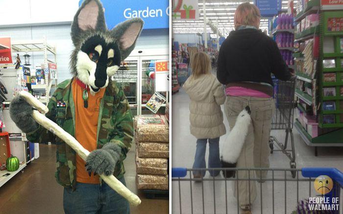 Gente rara en el supermercado Walmart-042