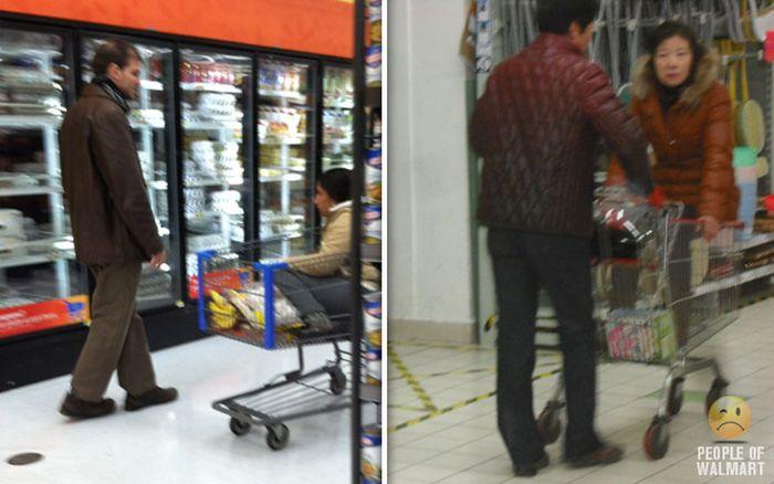 Gente rara en el supermercado Walmart-045
