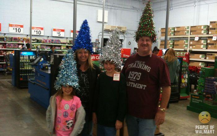 Gente rara en el supermercado Walmart-054