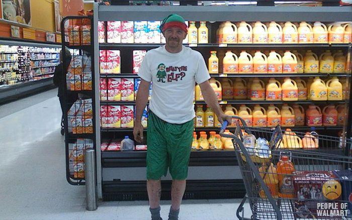 Gente rara en el supermercado Walmart-056