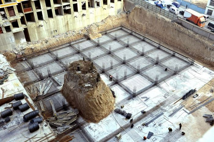 китай, строительство дома, могила, компромисс, стройка