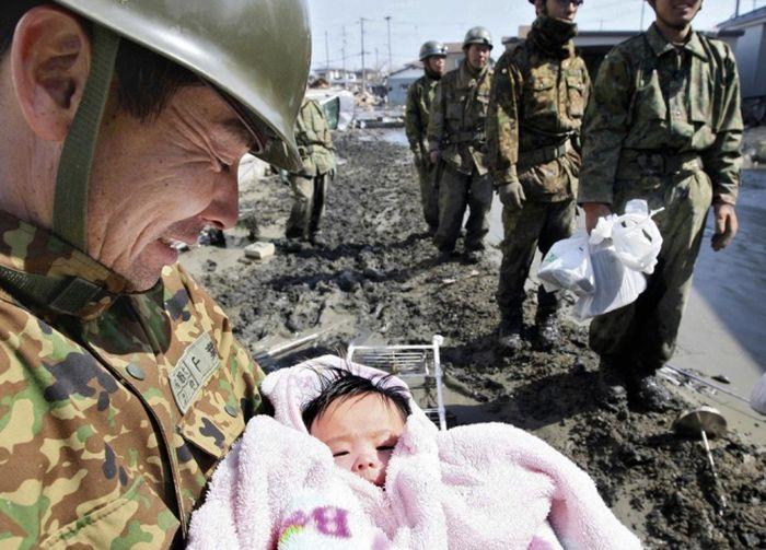 сильные фотографии, ураган, потеря, горе, полиция, танк, собака