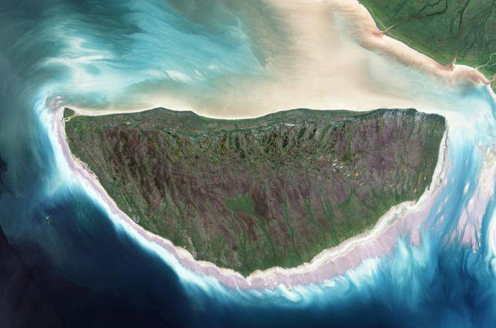 Фотоприкол вид сверху, красота природы, остров, со спутника