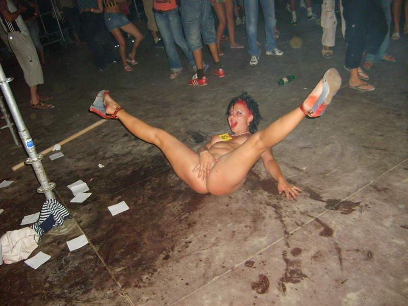 фото пьяных дырок сообщают русские
